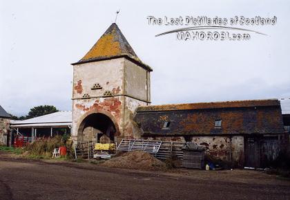 http://lostdistillery.com/photos/braelangwell02.jpg