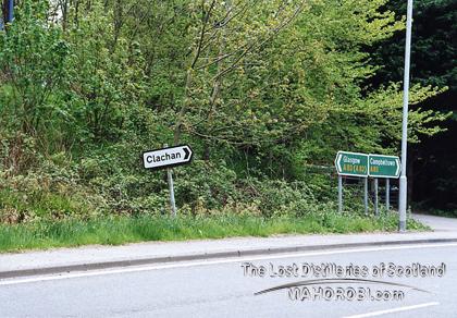 http://lostdistillery.com/photos/clachan01.jpg