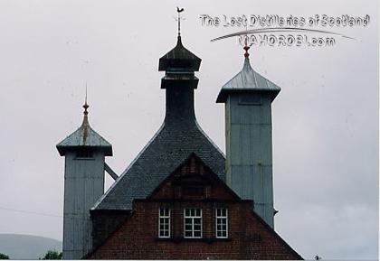 http://lostdistillery.com/photos/glenlochy06.jpg