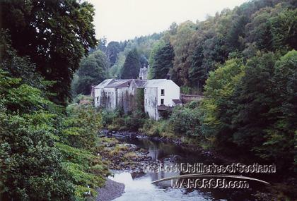 http://lostdistillery.com/photos/langholm03.jpg