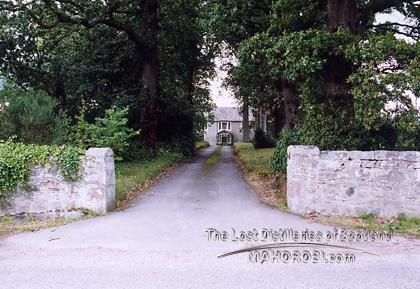 http://lostdistillery.com/photos/taynahinch01.jpg